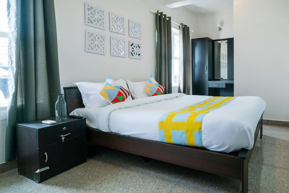 OYO Home 79053 Elegant KINGS PARK RESIDENCY, Vytilla Kochi, Kochi