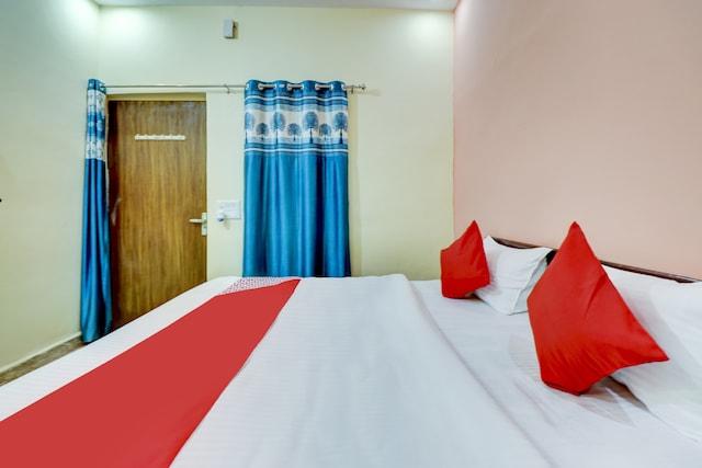 OYO 79059 Hotel Suvasana