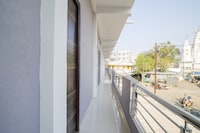 OYO 79074 Flagship Hotel Verma Inn