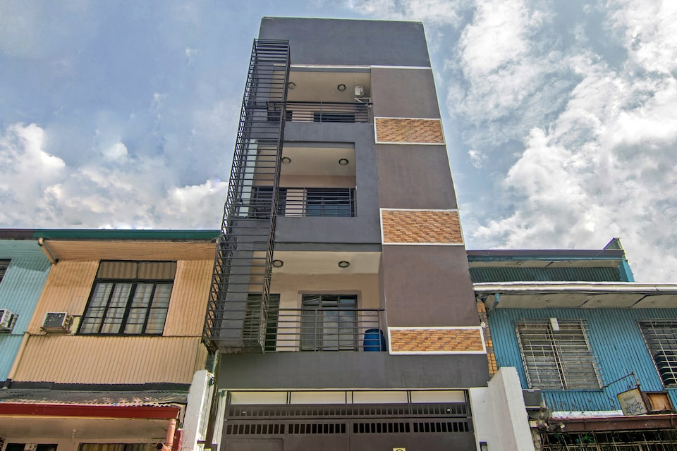 OYO 766 Ichehan Apartments