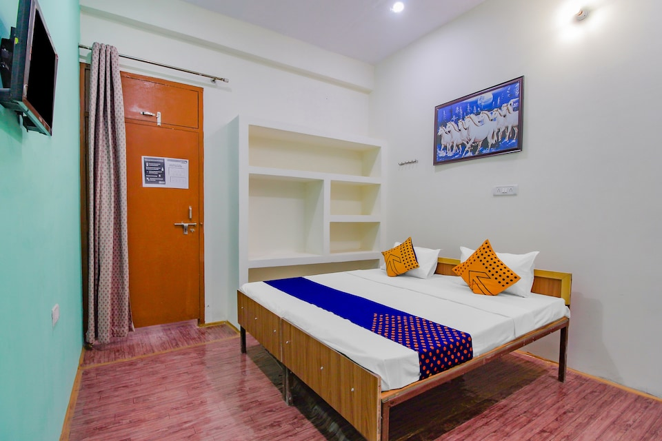 SPOT ON 79167 V R Hotel, Bulandshahr, Bulandshahr