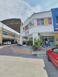 OYO 90202 Hotel Alam Jaya