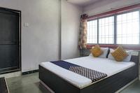 SPOT ON 79168 Akshay Lodge