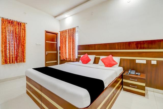 Capital O 79172 Residenza Hotel Dreams Paradise