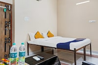 SPOT ON 79211 Hotel Shivam