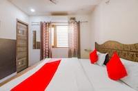 OYO 79216 Hotel Gms Inn
