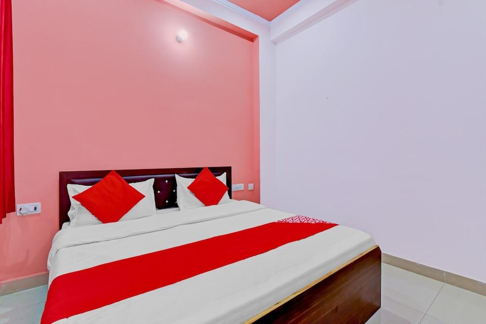 OYO 79229 Hotel Krishnam