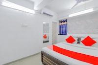 OYO 79236 Hotel Laksh