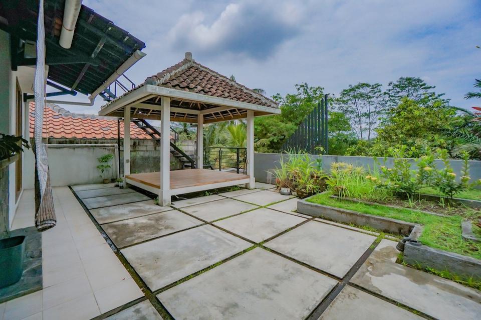 OYO 90319 Angler Guest House Malang, Malang Kota, Malang