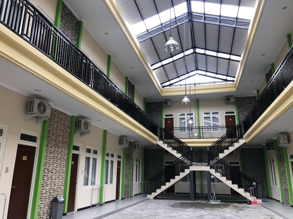 OYO 90320 Merak Guest House