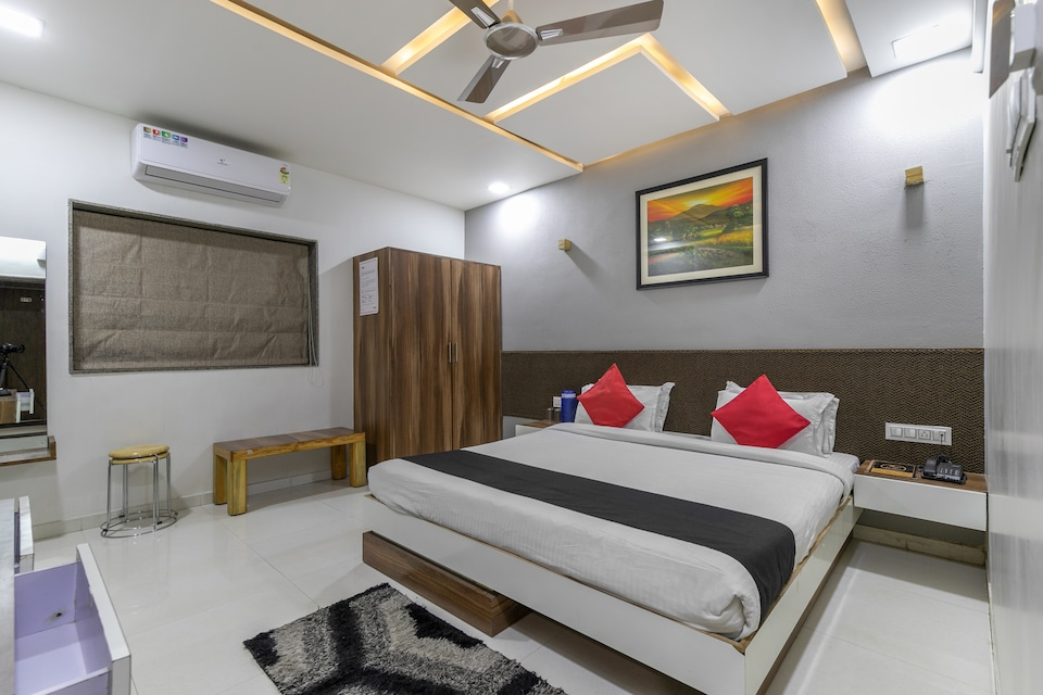 Collection O 79275 Hotel Neelkanth Bliss