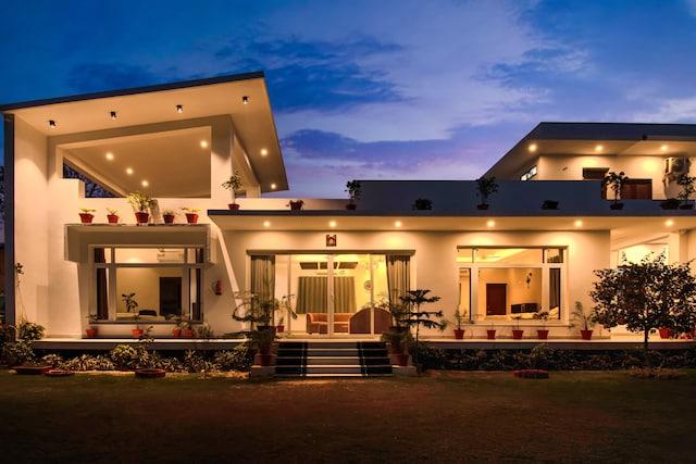 Belvilla Modern Villa with Gazeebo and Lawn