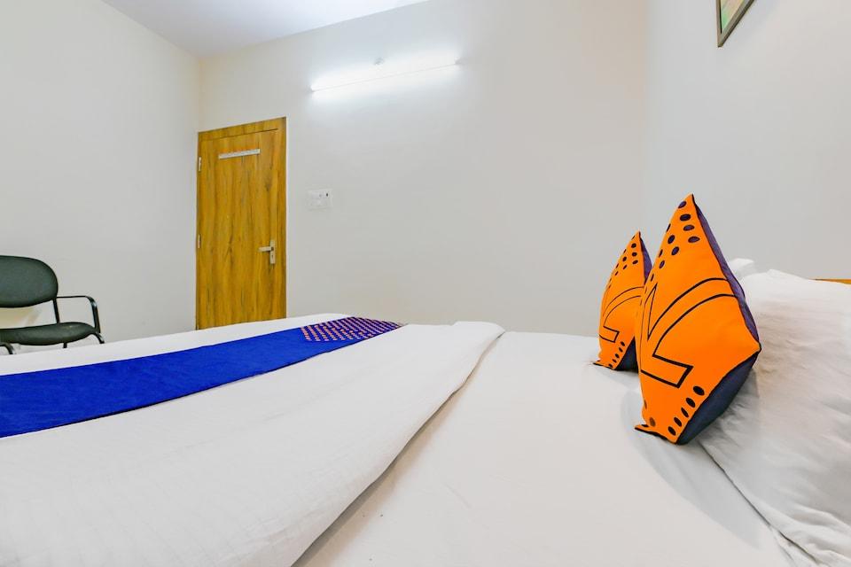 SPOT ON 79303 Samarpit Residency
