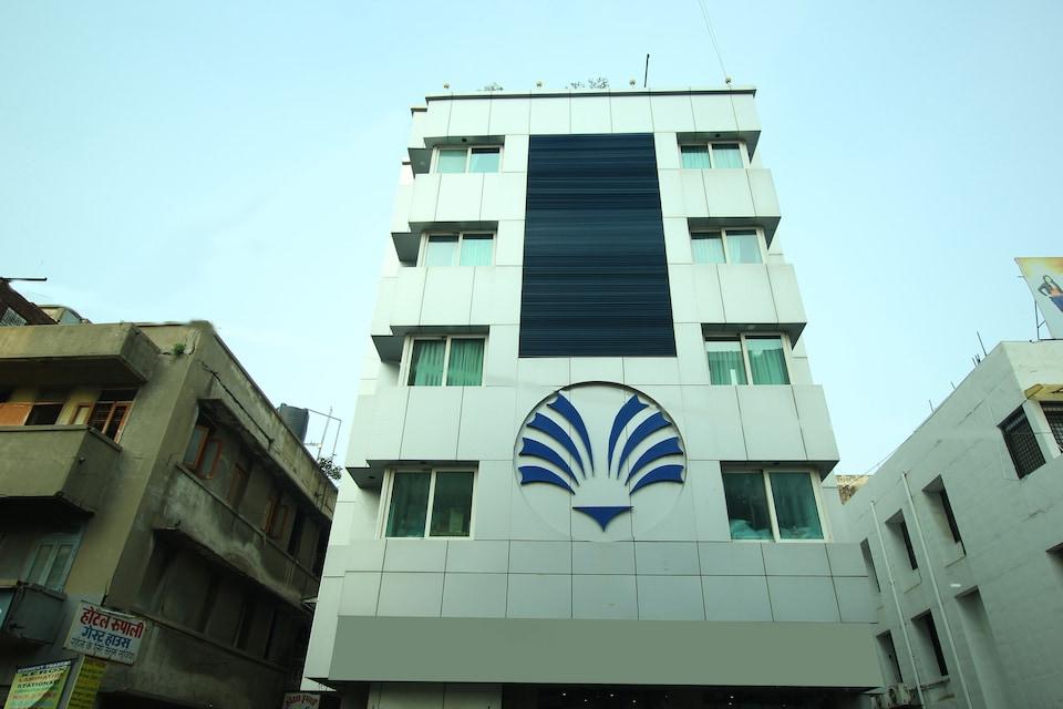 OYO Flagship 79327 Ashram Road