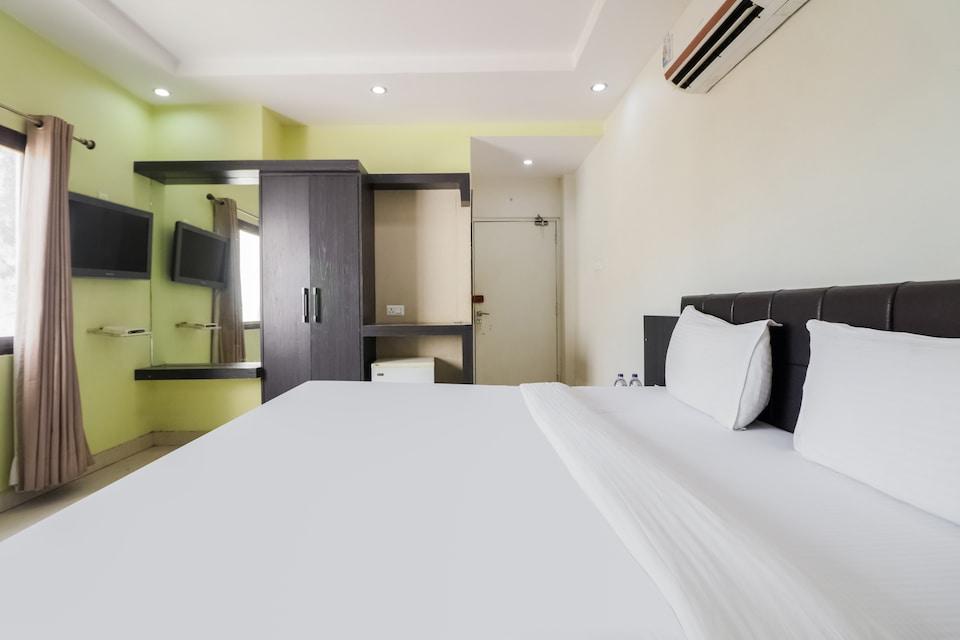 OYO 79329 Hotel Liberty Residency, Lanka, Varanasi