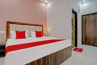 OYO 79364 Hotel Moon Light