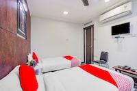 OYO 79400 Jayam Residency
