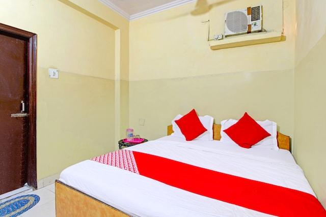 OYO 79416 Hotel Maharani Residency