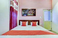 OYO 79421 Saffron Residence