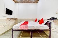 OYO 79422 Hotel Paradise Inn