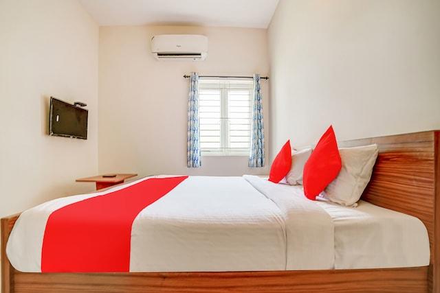 OYO 79431 Pleasant Suites