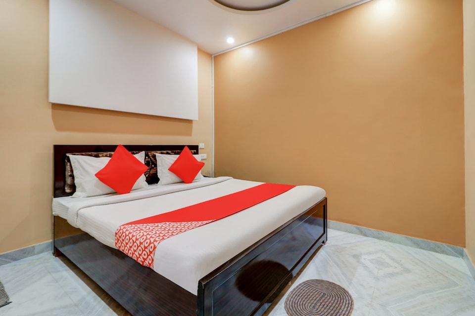 OYO 79449 Shreyan Ganges Guest House