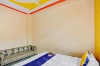 SPOT ON 79530 Rk Residency