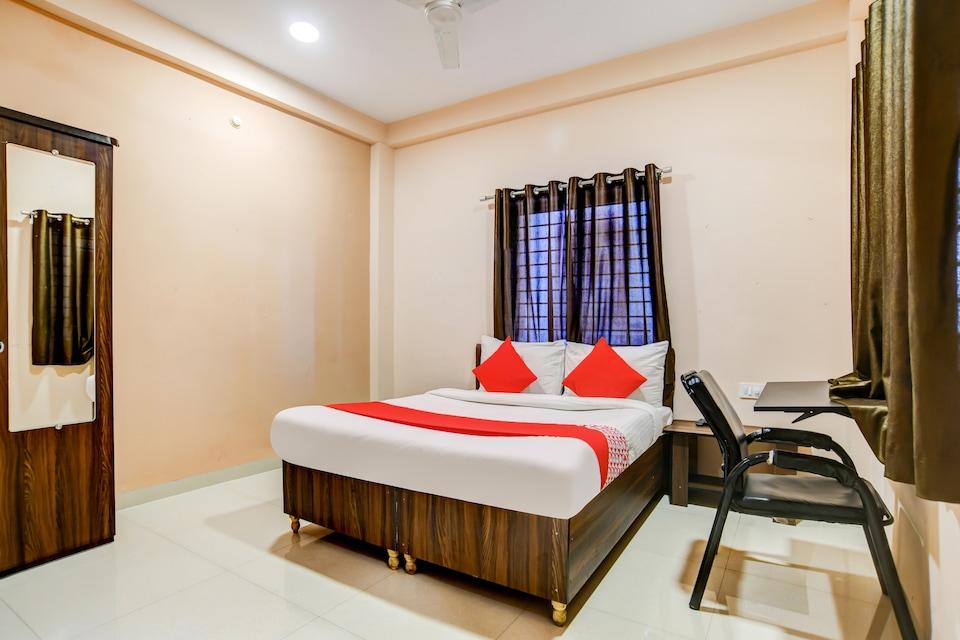 OYO IND700 Asha Hotel , Airport Road - Indore, Indore
