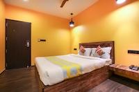 OYO 79538 Le Bliss Hotels Near Rock Beach
