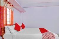 OYO 79566 Sai Hotel