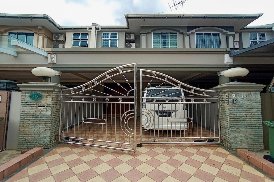 OYO 90216 Sunny Hill Homestay, Kuching, Kuching
