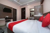 OYO 79591 Flagship Hotel Shivay