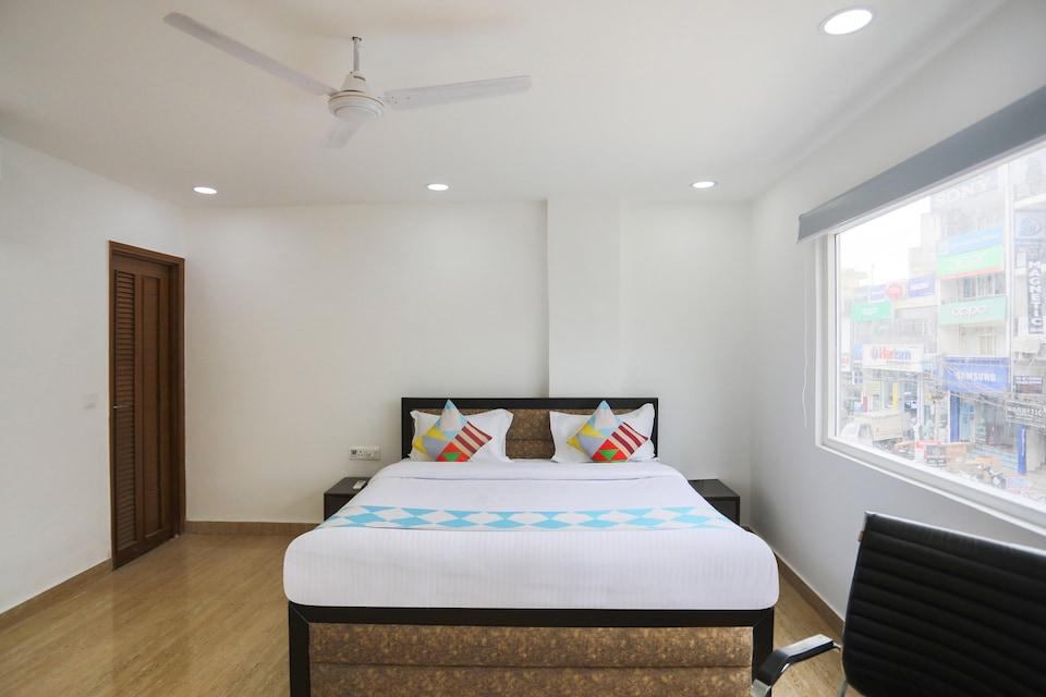 OYO 79600 The Premium Villa, Saket Delhi, Delhi