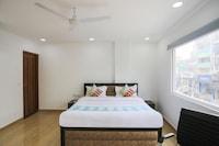 OYO 79600 The Premium Villa