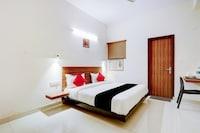 Capital O 79606 Hotel Ganga Ashoka