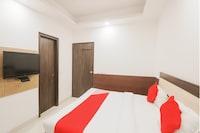 OYO 79609 Hotel Star