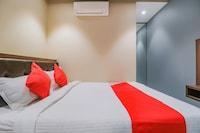 OYO 79617 Hotel Ahlan International