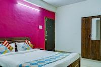 OYO 79650 Flagship Hotel Seasons