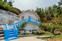 OYO Home 79684 Rooms With Balcony And Mountain View