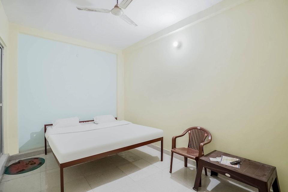 SPOT ON 79689 Ritika Hotel