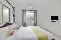 OYO Home 79694 Flora Villa Candolim