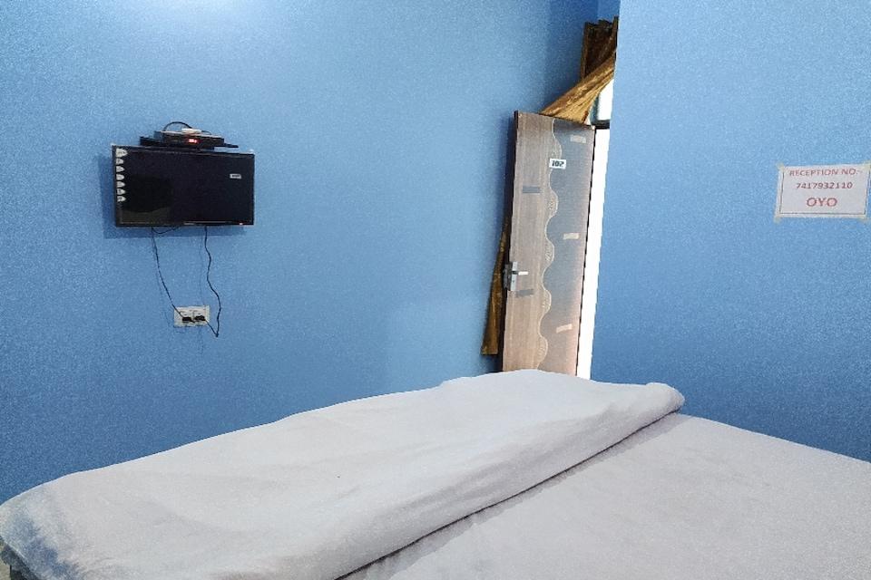 OYO 79725 Hotel Am