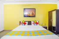 OYO 79738 Elegant Rooms Virender Nagar