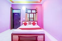 OYO 79756 Hotel Holiday