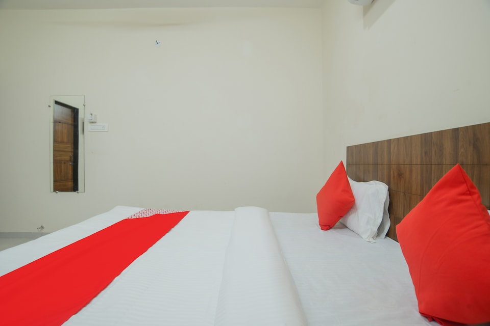 OYO 79802 Hotel Blue Moon, Vijay Nagar Indore, Indore