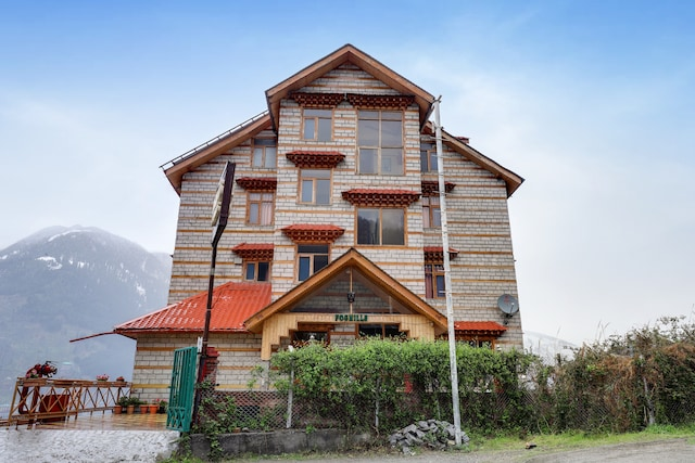 Belvilla foghills cottages deluxe rooms with mountain view.