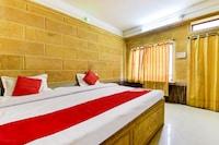 OYO 79857 Hotel Pushp Mahal