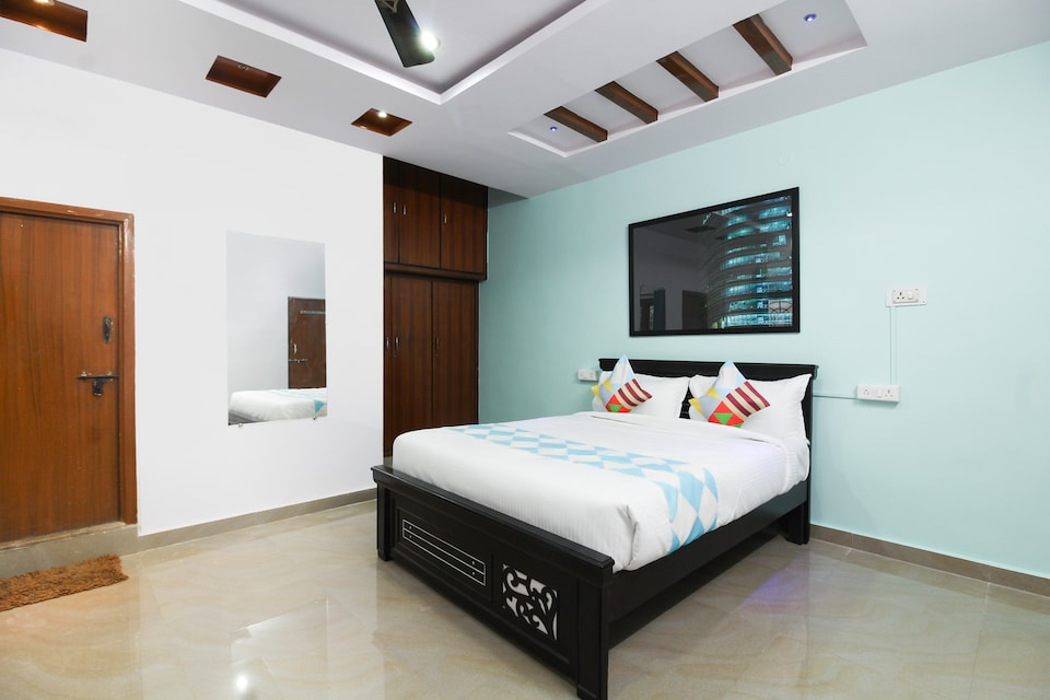 OYO Home 79878 Pleasant Stays