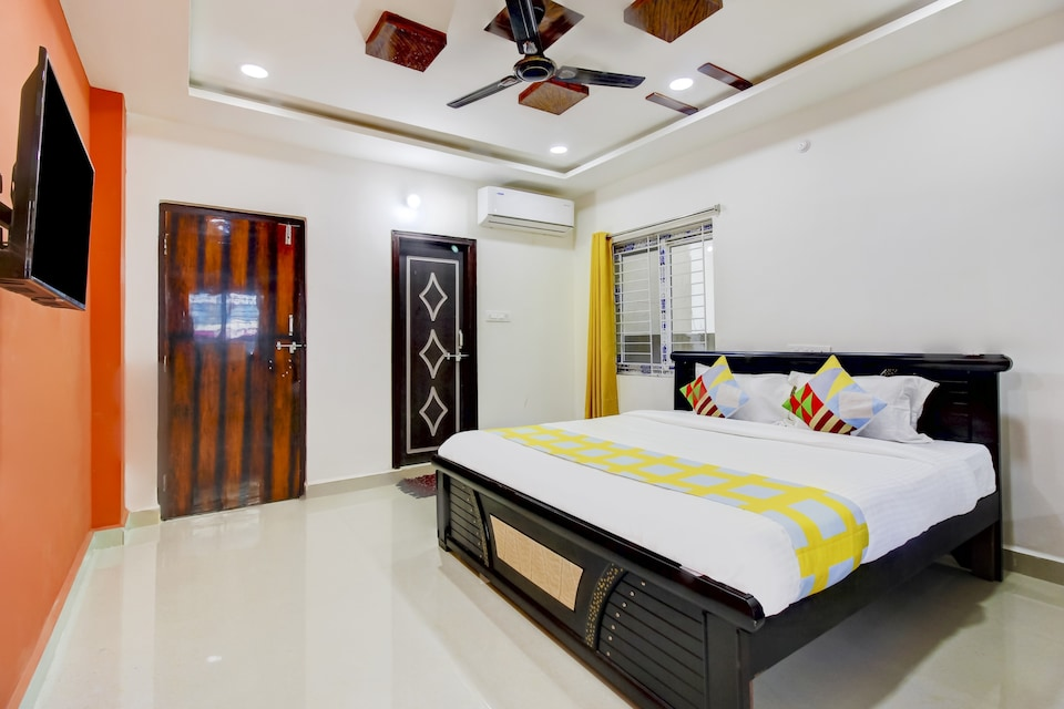 OYO Home 79911 Love Book Stays Yapral