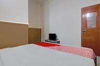 OYO 90358 Poris Residence